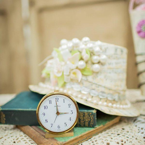 Clock - Vintage Table