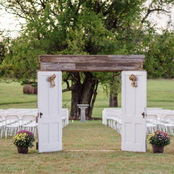 2 Door Swinging Entryway - White