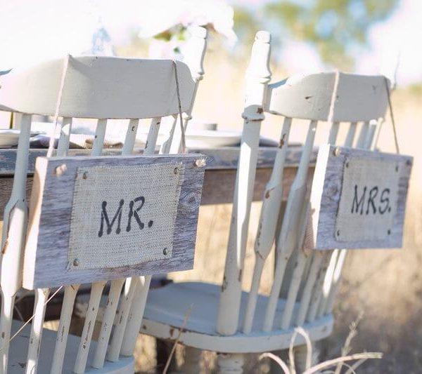 Sign - Mr & Mrs Rustic Burlap