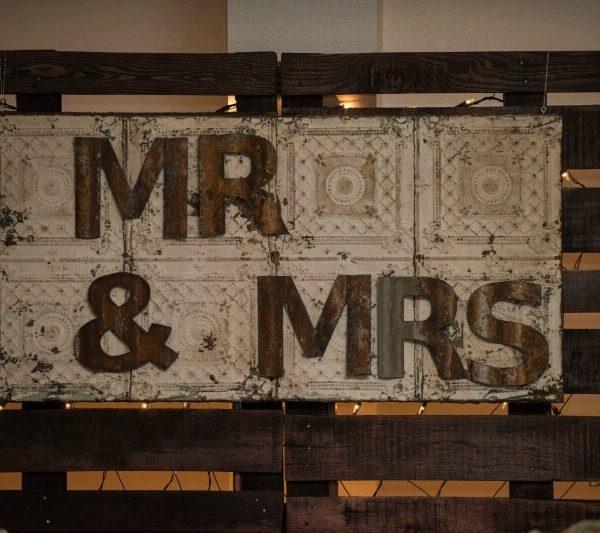 Sign - Mr & Mrs Tile
