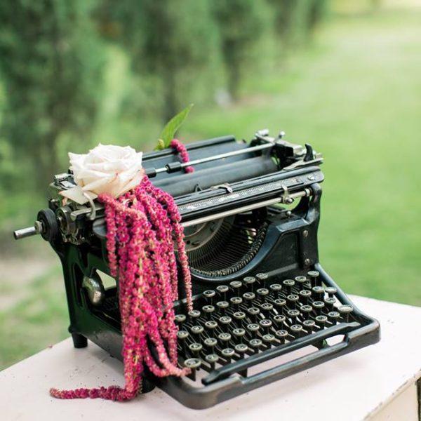 Typewriter - Black